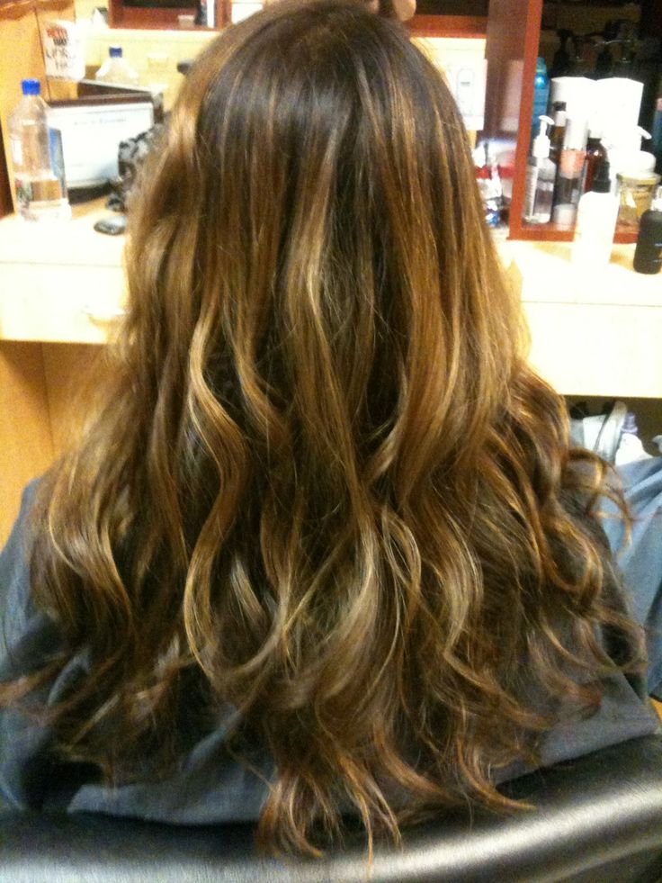 Ανανέωση με φθινοπωρινή αλλαγή στο χρώμα μαλλιών |