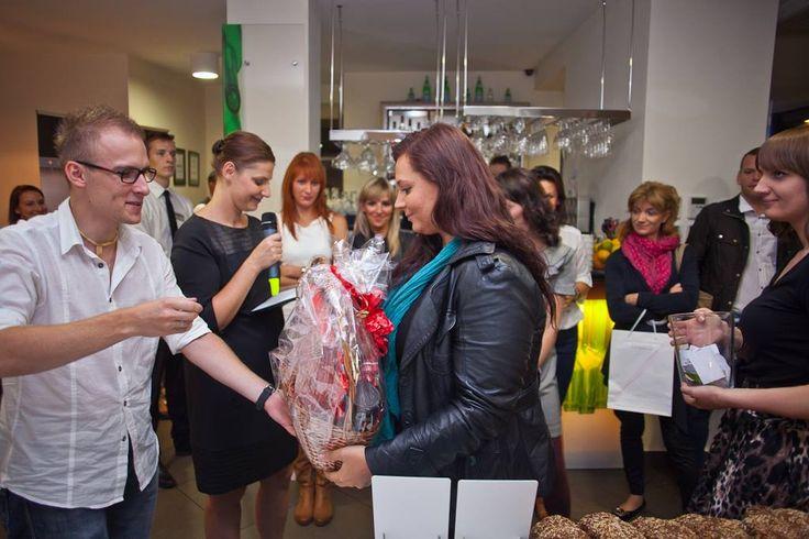 Oczywiście żadne eksowe spotkanie nie obędzie się bez loterii wizytówkowej z prezentami od partnerów imprezy :)  #loteria #prezent #marzenia #wygrana