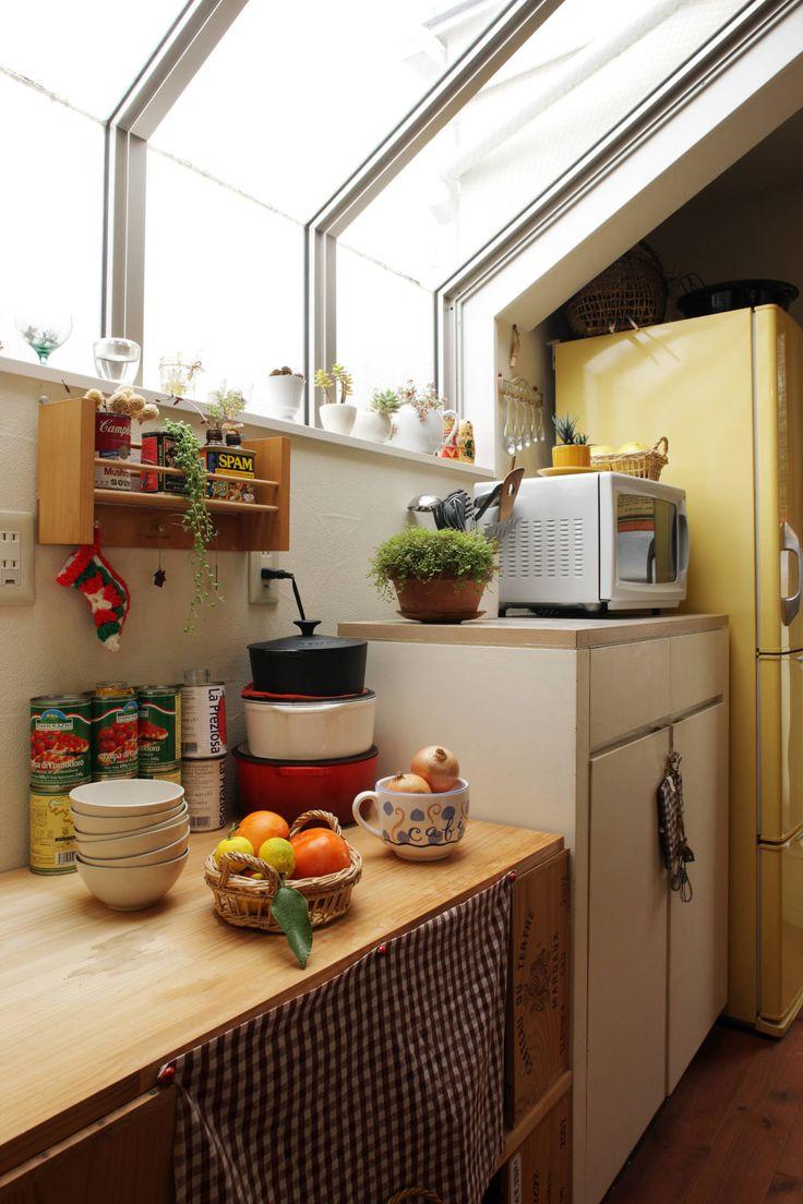 有限会社タクト設計事務所 の カントリーな キッチン エントランスハウスシックな家