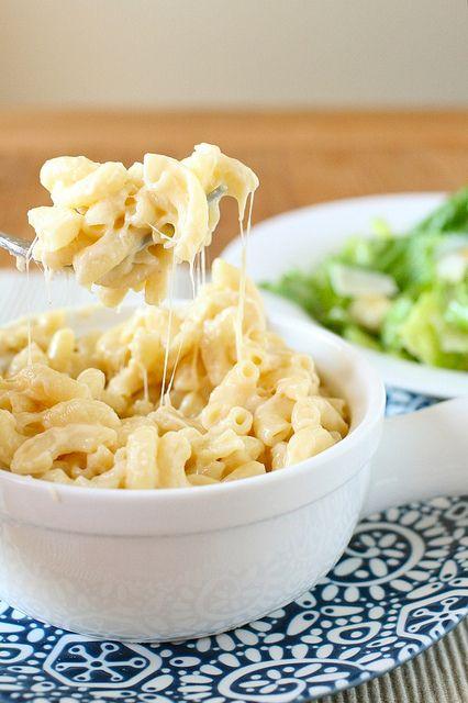 Creamy stovetop mac n cheese with greek yogurt and gouda =)