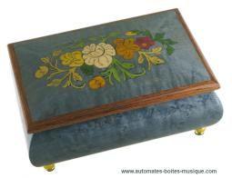 Boîtes à bijoux musicales en marqueterie à prix réduit Boîte à bijoux musicale en bois marqueté : boîte à bijoux teintée gris-bleu avec fleu...