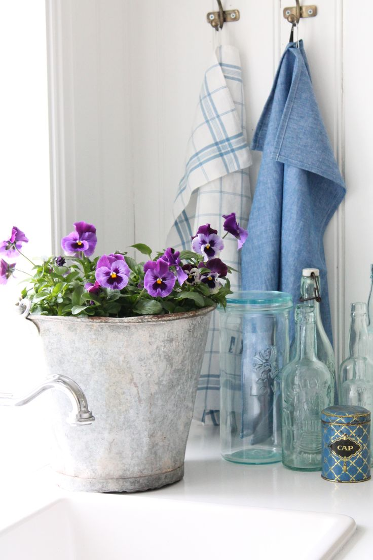 http://vibekedesign.blogspot.no/  i love anything in a galvanized container. love it