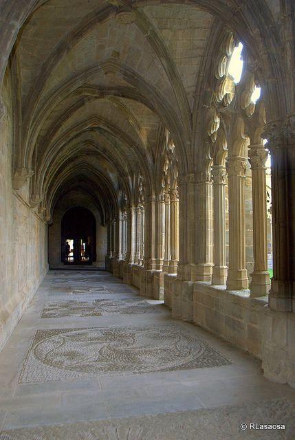 Claustro del Monasterio de la Oliva - Navarra Spain