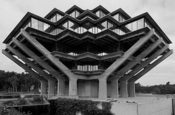William Pereira, Geisel Library, San-Diego, California, 1970 (via Xavier de Jauréguiberry's flickr)
