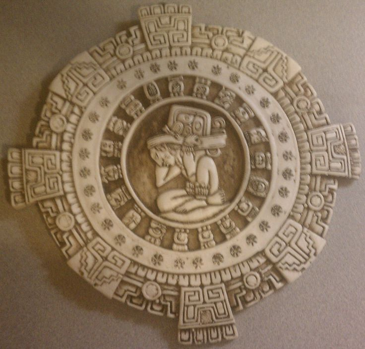 Mayan Calendar interesante la piesa  la base
