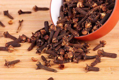 Contrôlez les bouffées de chaleur de la ménopause avec ces 8 remèdes maison - Améliore ta Santé