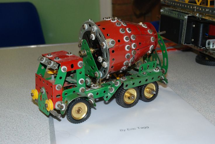 All sizes | Meccano Cement mixer by Eric Tagg | Flickr - Photo Sharing!