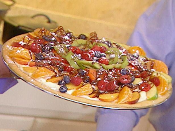 Paula Deen Fruit Pizza...yummmmy :)