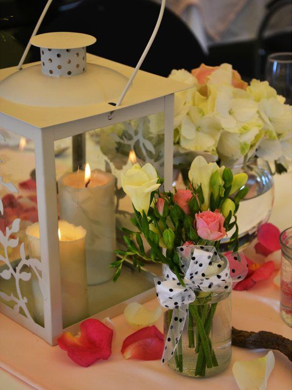 lanterna vasi di fiori con roselline ed ortensie