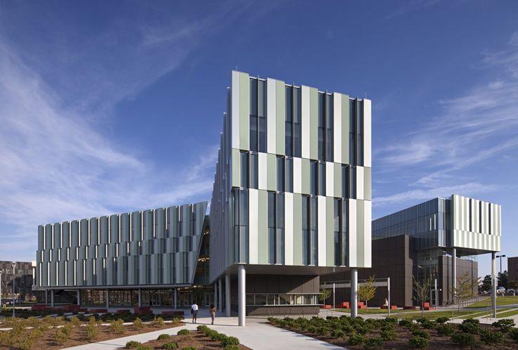 Metal Panel Facade : Daytime shot of metal panel and glass facade
