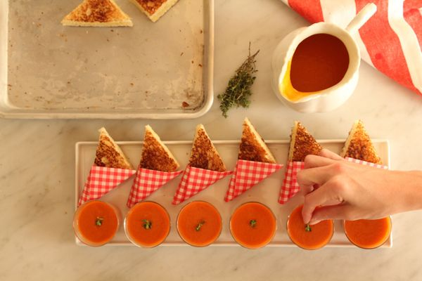 mini grilled cheese and tomato soup