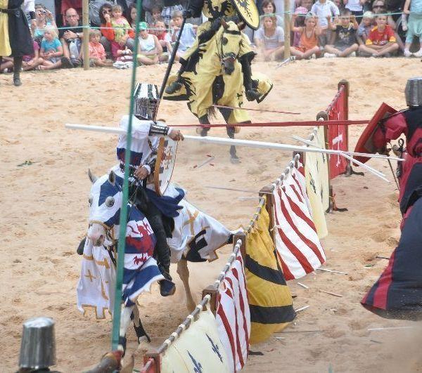 Tournoi de chevalerie - Cascadeur et Sport Artistique par Compagnie Capalle - Spectacle Equestre