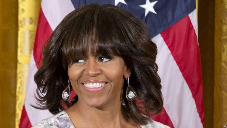 Michelle LaVaughn Robinson Obama es una abogada estadounidense, esposa del cuadragésimo cuarto presidente de Estados Unidos, Barack Obama, y hasta el momento única primera dama afroamericana de su país. Fecha de nacimiento: 17 de enero de 1964, Chicago, Illinois, Estados Unidos Estatura: 1,80 m