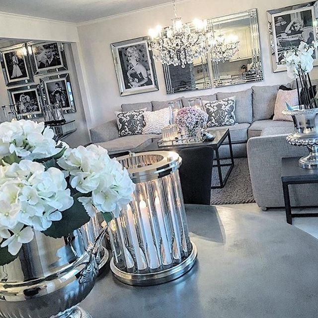 Credit: @homebymatilde ✨  #norge #norway #design #style #interior #interiør #inspo #inspirasjon #inspiration #repost #hjem #home #nordiskdesign #skandinaviskdesign #living #life #stuedesign #stue #livingroomideas #livingroomdesign #livingroomdecor