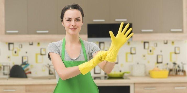 Er zijn van die klusjes waar niemand zich op verheugd. Het schoonmaken van de (vettige) filter van de afzuigkap is er zo eentje. Niet leuk, wél nodig.