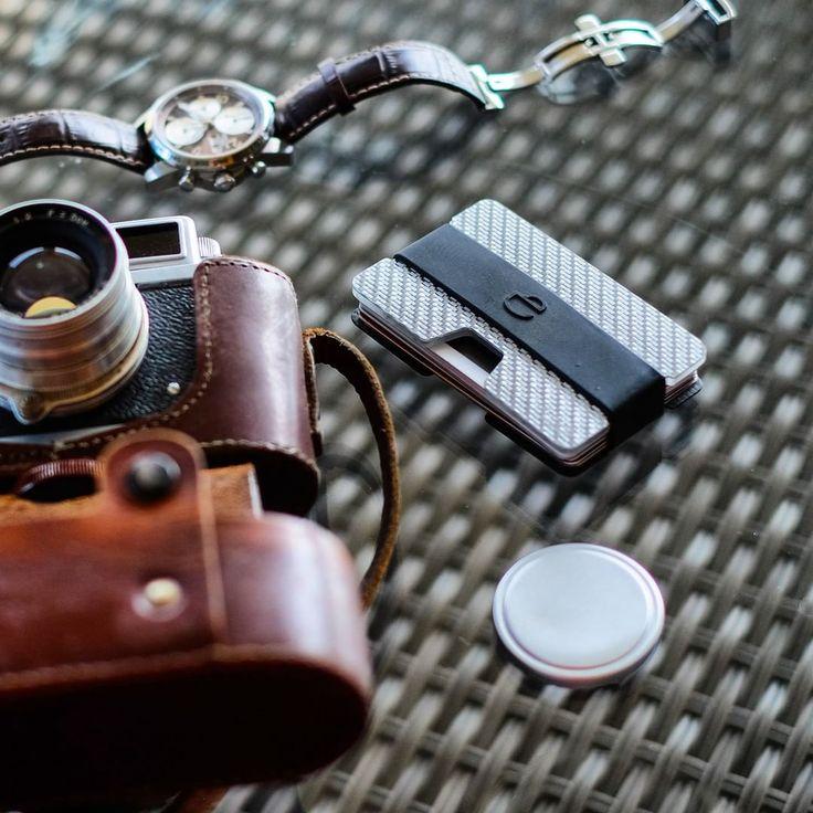 "Polubienia: 176, komentarze: 1 – Elephantwallet (@elephantwallet) na Instagramie: ""EDC of the day : N Grey minimalist wallet  #wallet #watch #certina #watchporn #photography #edc…"""