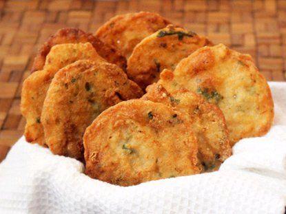 Puerto Rico-Bacalaítos Fritos -  Receta típica del bacalaíto de Piñones.