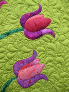 tulip quilt  http://www.patsythompsondesigns.com/blog/index.php/archives/1291