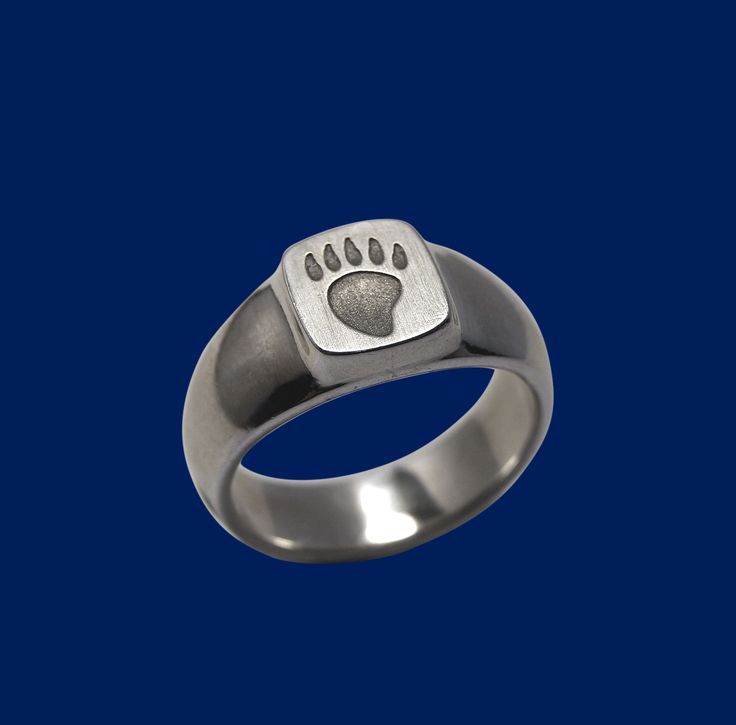 Bear tracks silver ring. Design Sami Viitasaari