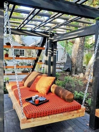 OMG I would love to have one of these someday. Perfect place to relax outside.