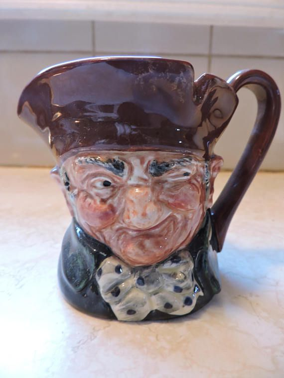 St. George w/ Dragon Handle Royal Doulton Character Toby Small