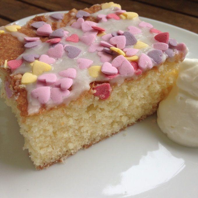 Fanta-Tassen-Kuchen Rezept zum Selbermachen - Familienrezepte zum Selberkochen und Backen.