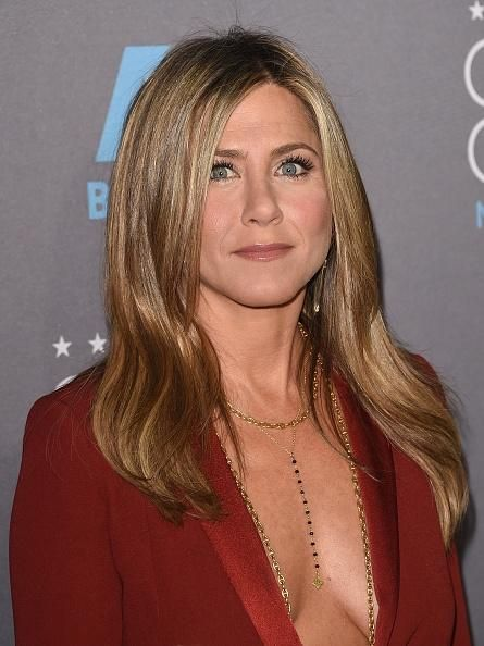 Jennifer Aniston Still Causes Tension In Brad Pitt And Angelina Jolie's Marriage? - http://imkpop.com/jennifer-aniston-still-causes-tension-in-brad-pitt-and-angelina-jolies-marriage/
