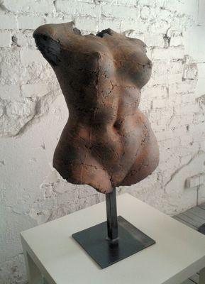 Ograbisz // TORSO FEMALE