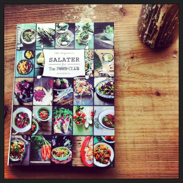 Det store salat-hit: Der er 80 opskrifter på sprøde, sunde og farverige salater i Ditte Ingemanns nye bog SALATER FRA THE FOOD CLUB. Klik på billedet og få et par af Dittes hit-opskrifter!