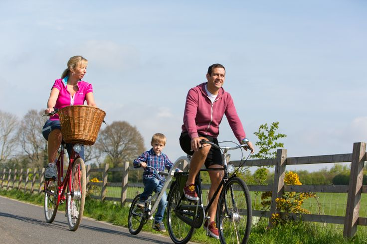 Cycling through the Heart of Devon on the Exe Estuary Trail. Find out more at www.heartofdevon.com/cycling