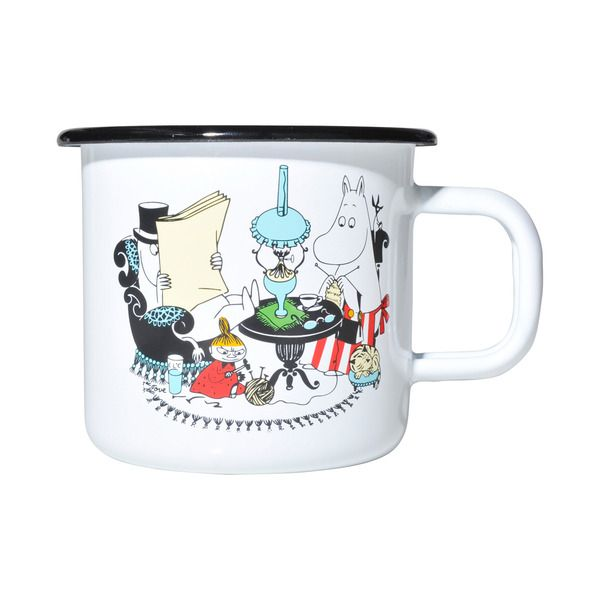 White enamel mug with colorful details, featuring Moominmamma and Moominpappa. Extremely durable and easy to take care of makes it suitable for any home. Muurla combines design with durability in this retro Moomin enamel mug.