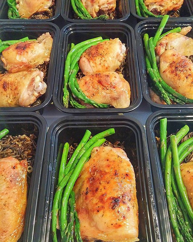 Pin for Later: 21 Simple Meal Prep Combinations Anyone Can Do Chicken + Asparagus + Wild Rice