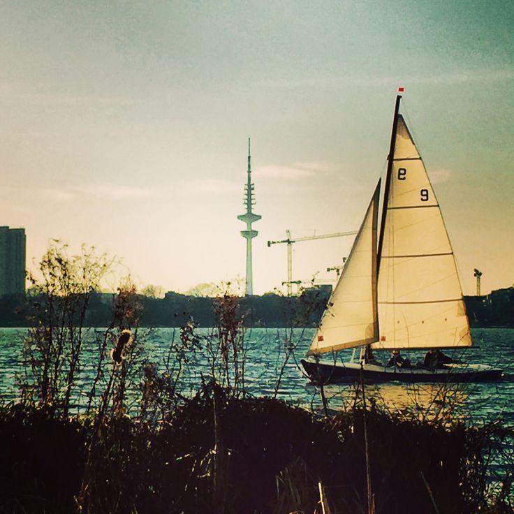 Wir wünschen euch einen guten Wochenstart!! #Hamburg #Alster #Morning