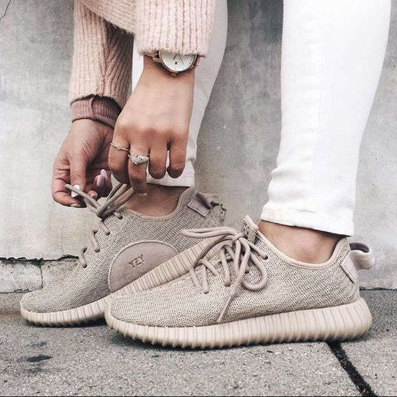 Oxford Tan Yeezy Boost Oxford tan yeezy boost, not authentic!!! Very good replica, just a little too big on me! Worn two or three times. Yeezy Shoes Athletic Shoes