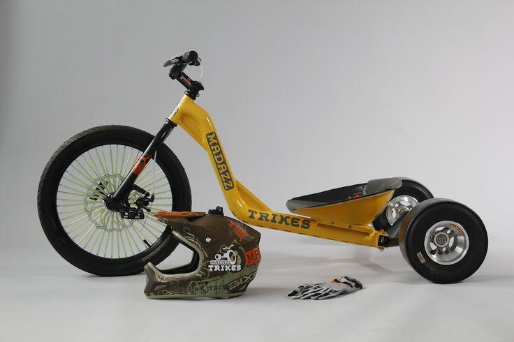 """Il """"Valle Olona Drift Trickes Team"""" chiede aiuto per realizzare dei nuovi """"trikes"""" partendo da vecchie biciclette."""