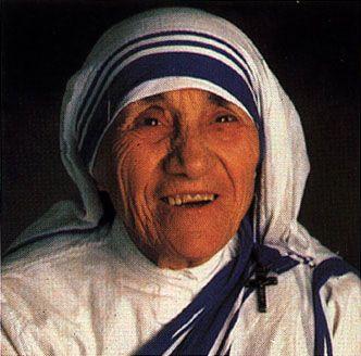 MODELO DE MUJER - Agnes Gonxha Teresa de Calcuta ( 26-8-1910 / 5-9-1997) - Fundo misioneras de la caridad , premio nobel de la paz