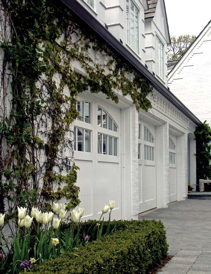 Best 25 carriage garage doors ideas on pinterest garage for Carriage style