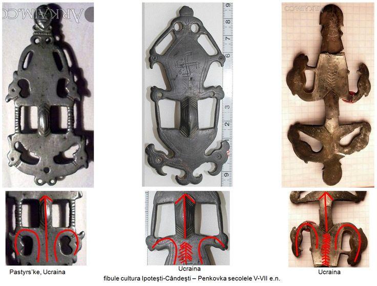 Pe corpul celei de-a doua fibule este incizat simbolul aparţinând neoliticului sud-est european - svastica, iar pe corpul ultimelor două fibule sunt incizaţi Pomi ai Vieţii sub forma bradului.