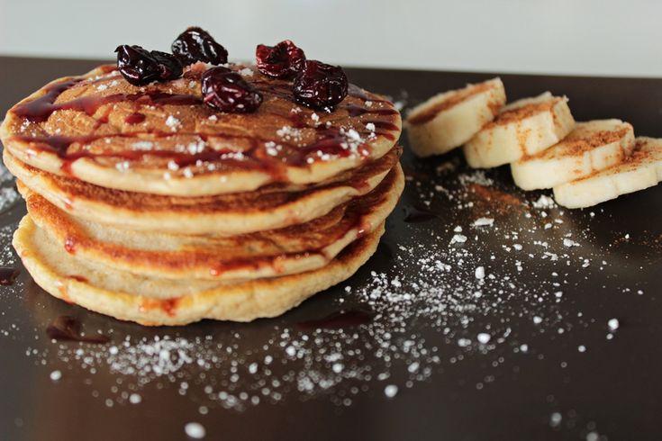 Dietetyczne pancakes na słodko ;)  http://pokoleniefit.pl/blog/2016/07/28/dietetyczne-pancakes-na-slodko/