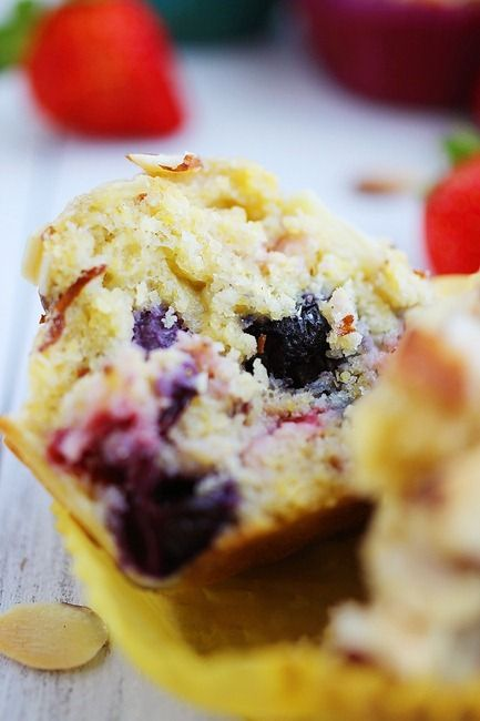 Sugar-Free Almond Berry Muffins – Packed with protein, delicious breakfast or snack + only 130 calories each! | thecomfortofcooking.com