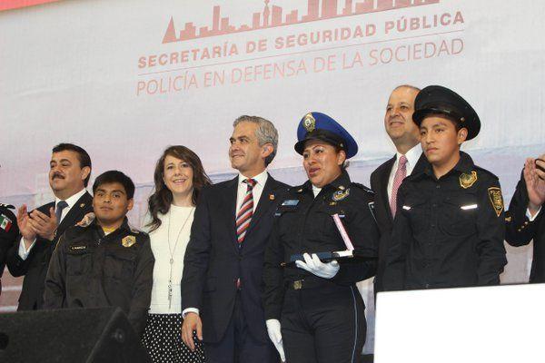 Encabeza el jefe de Gobierno Miguel Ángel Mancera el festejo del día del Policía 2015.