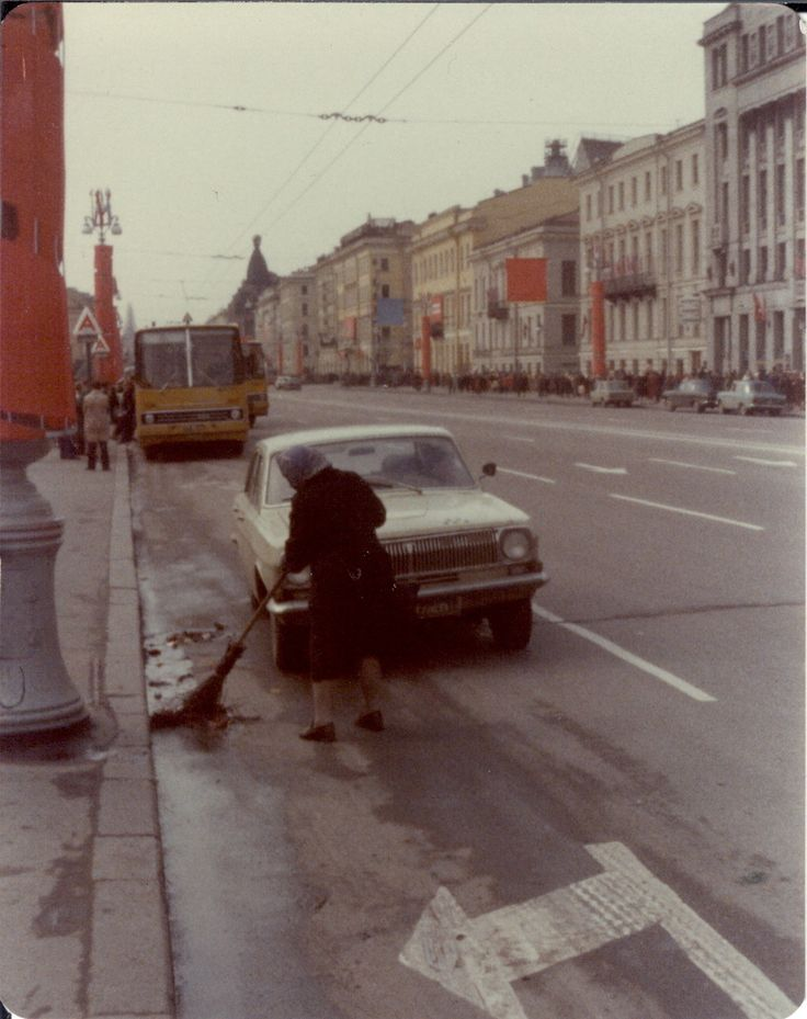 Невский проспект. Уборка улиц