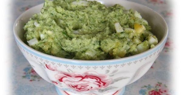 Har fundet denne sunde æggesalat på en side, der hedder Sund for sjov her Opskriften er her: 200 g broccoli 5 kogte æg 2 spsk. Skyr eller cr...