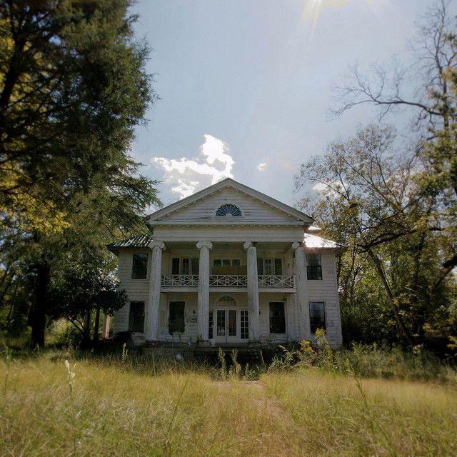 De 102 b sta hauntcouture civicart collections bilderna p for Small plantation homes