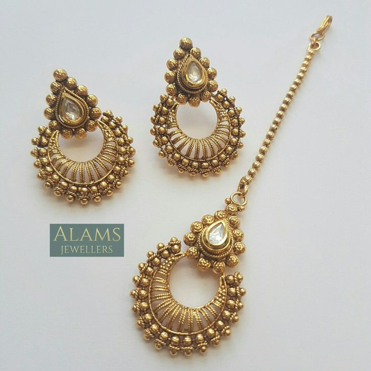 Beautifully dainty maang tika and earrings. Indian jewellery / jewelry. Head piece / head dress and earrings. £13. Email alamsjewellers@gmail.com with enquiries. #jewellery #Indianwedding #indian #asian #wedding #taal #gold #imitation
