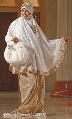Mukena Ivory - Mukena atas katun bordir. Bawahan katun Jepang. Warna krem. $45.00 on Dzakirah boutique
