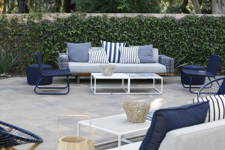 Keep the blues! Tidelli outdoor seating area