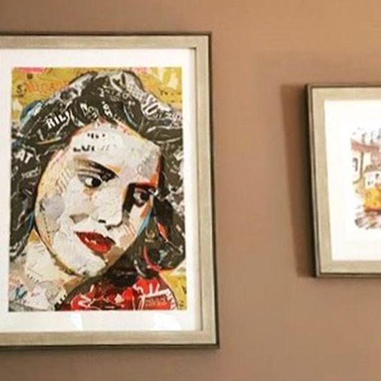 😊Our AMÁLIA RODRIGUES POSTER framed and photographed by the Lovely Fado Singer @filipacarvalhofado at her home 😊