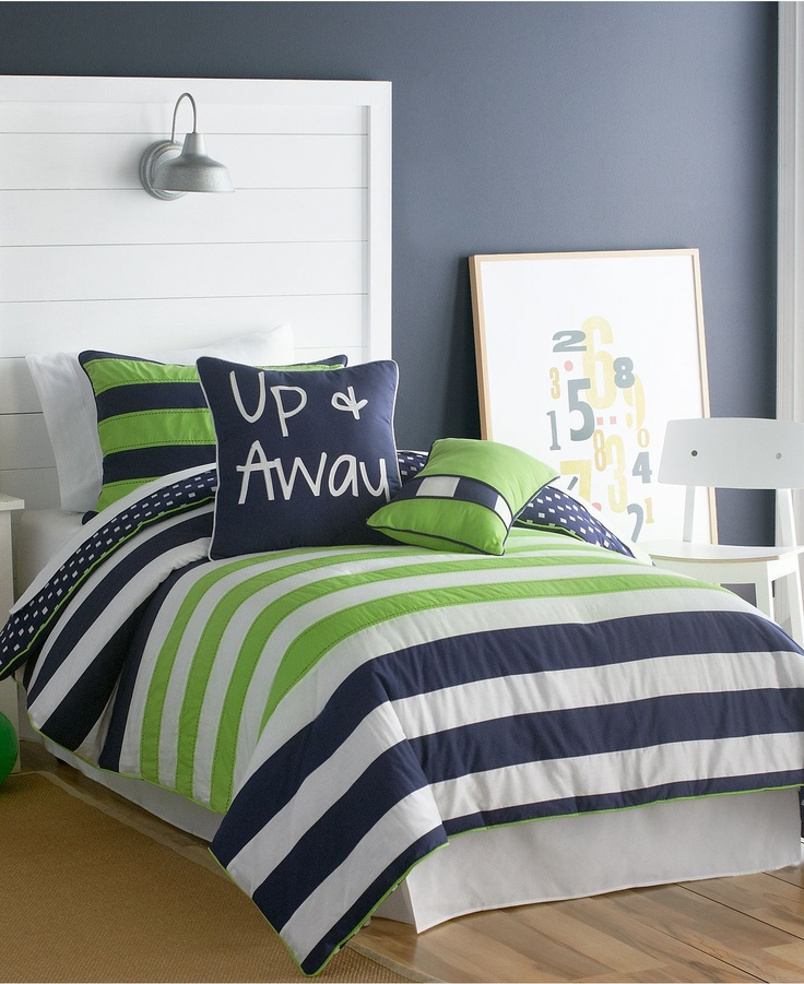 Green is great for a kids bedroom. With such a simple ...