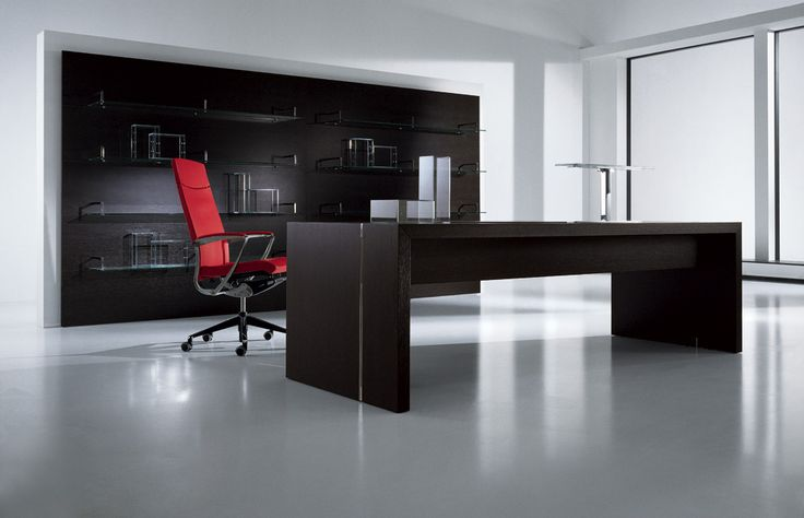 A new way of interpreting office space which can be further enhanced by wood wall panelling with glass shelves to create a decor with high visual impact, expressing an elegant design. #officefurniture  http://interoffice.co.uk/furniture/master/
